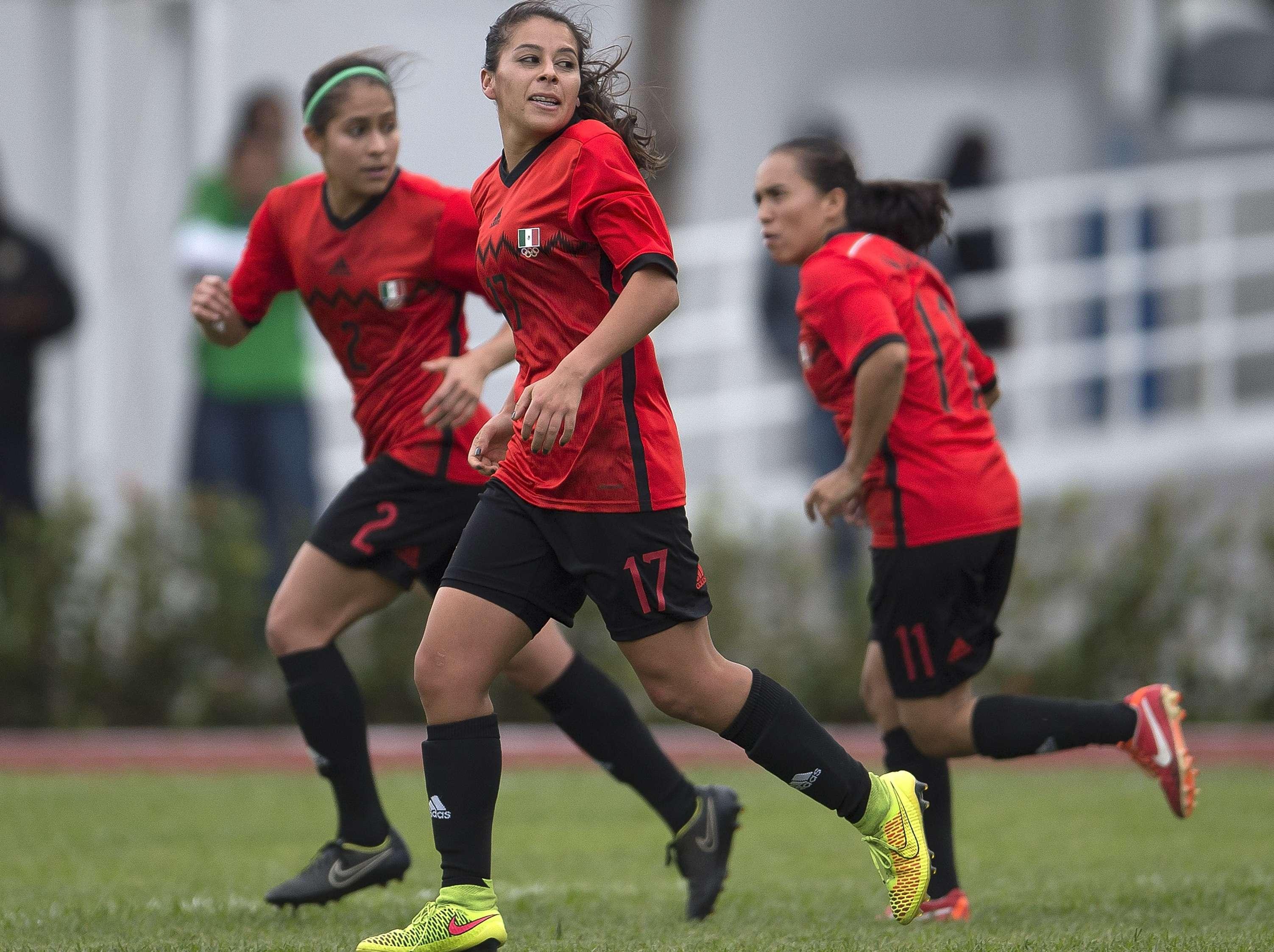 Verónica Pérez celebra el gol olímpico con el que México derrotó 1-0 a Costa Rica. Foto: Mexsport