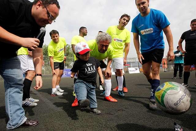 Hoy se efectuo el torneo de baby futbol en apoyo a la Teletón Foto: Agencia Uno