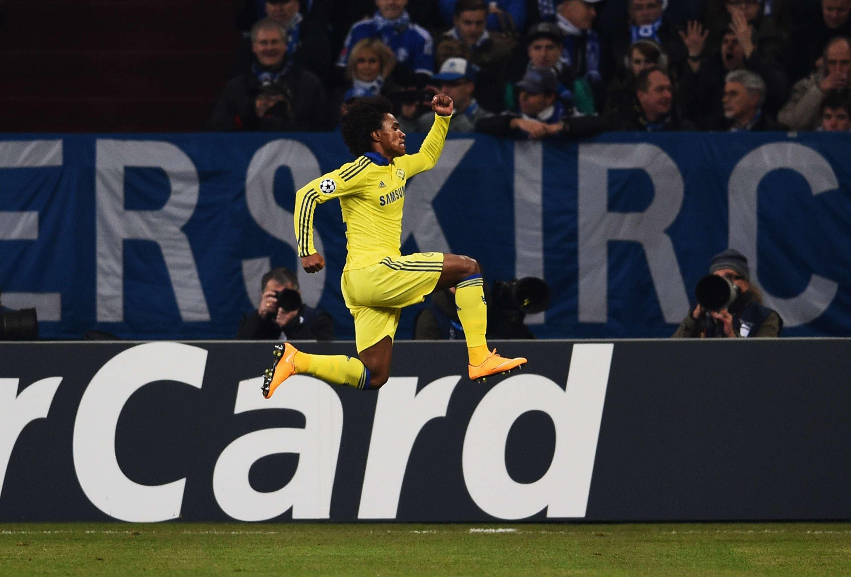 Willian fez o segundo gol da equipe londrina Foto: Dennis Grombkowski/Getty Images