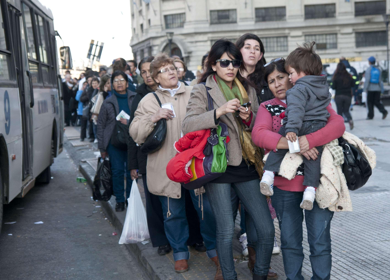 Paro de transporte afecta a cientos de miles de usuarios. Foto: NA