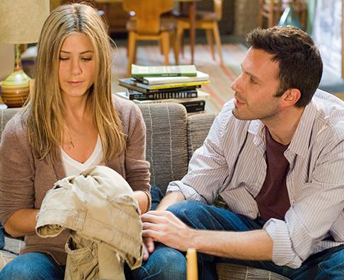 Jennifer Aniston interpreta a una chica que desea casarse, pero su novio tiene miedo al matrimonio. Foto: Película Hes Just Not That Into You