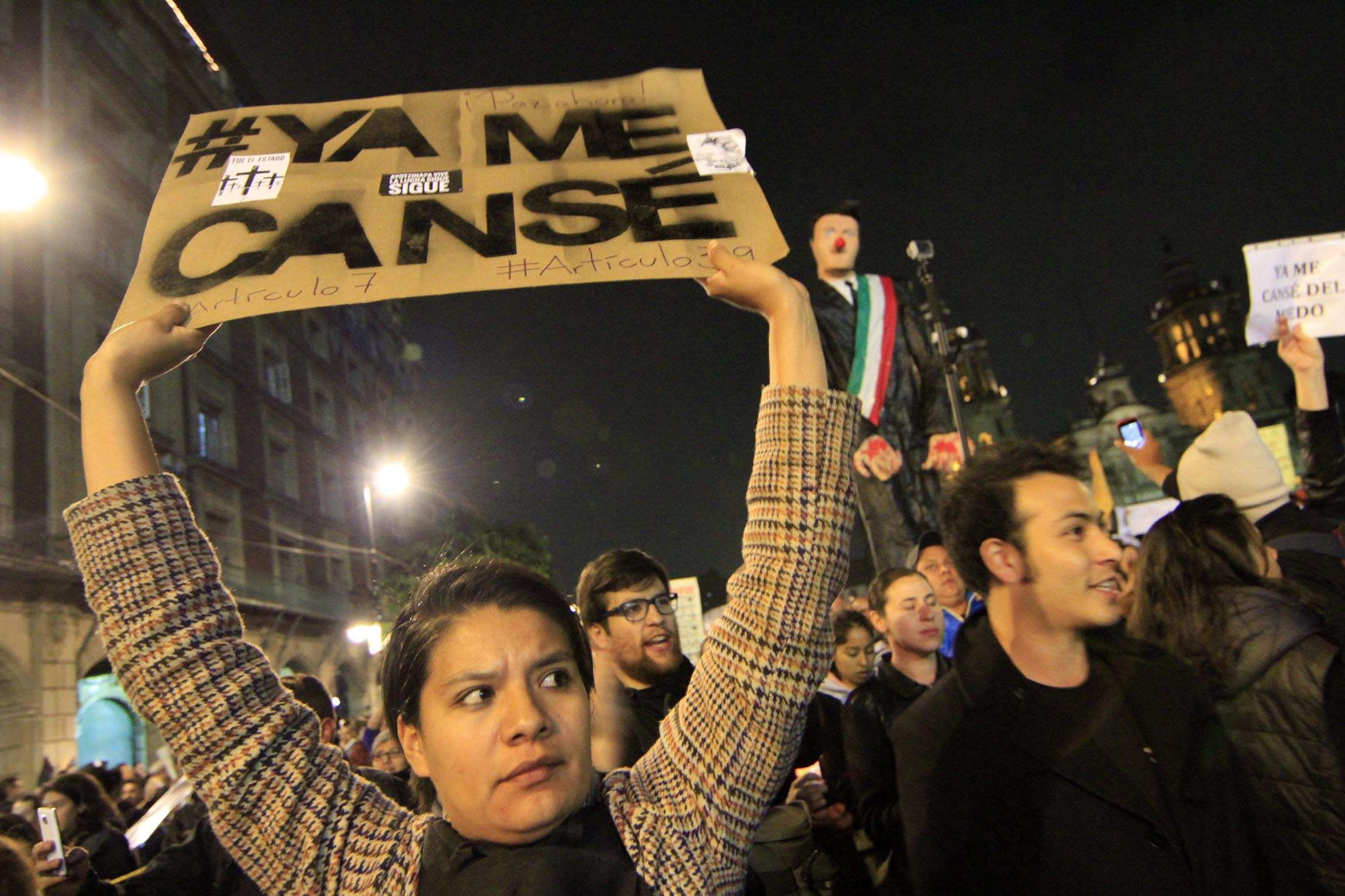 #YaMeCansé es el lema que envuelve el enojo del mexicano en el último mes. Foto: Notimex