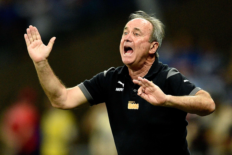 Levir Culpi grita com jogadores Foto: Buda Mendes/Getty Images