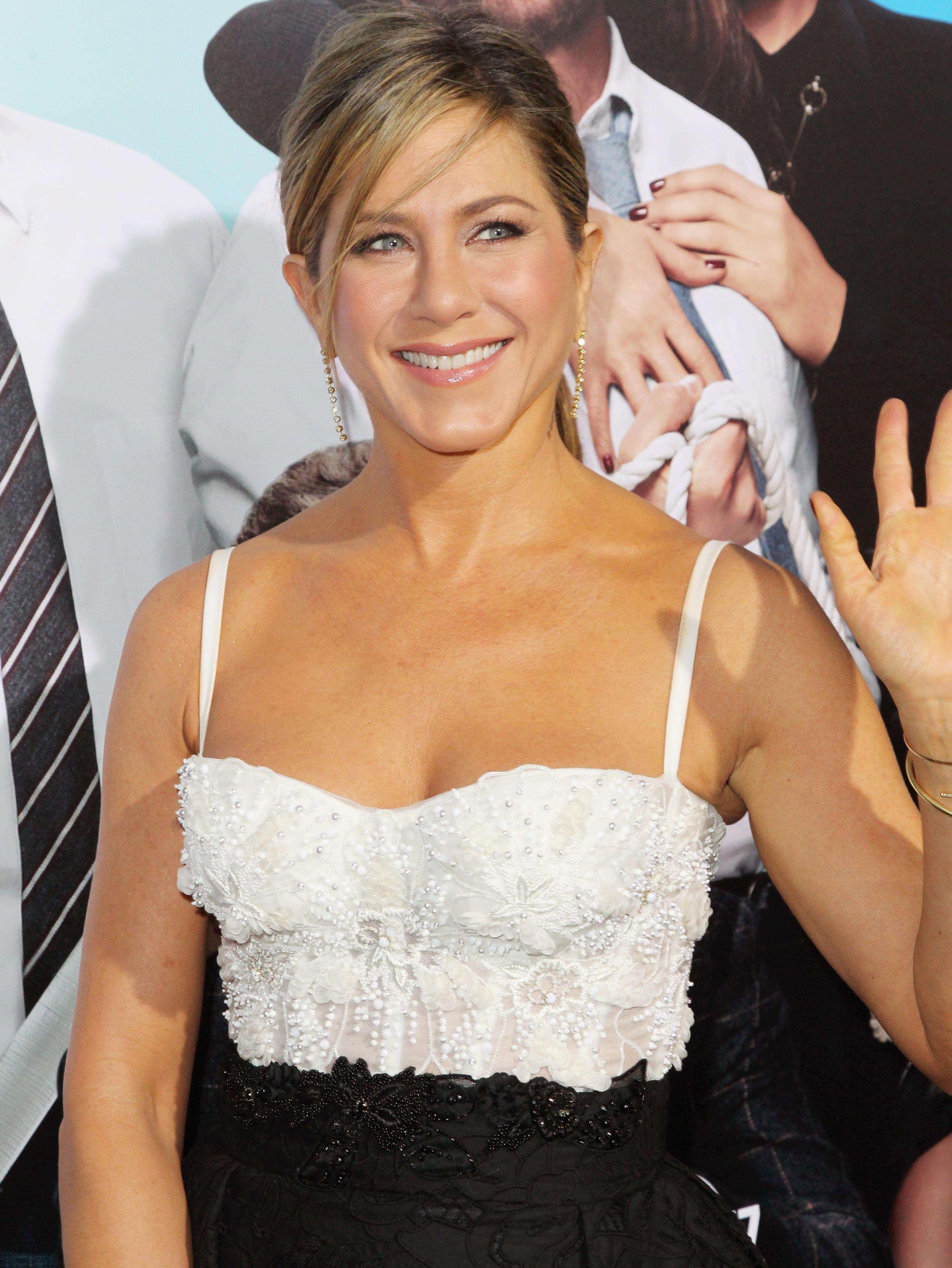 Jennifer Aniston participó en una broma hacia un reportero convirtiéndose en ¡la peor entrevistada de la historia! Foto: Getty Images