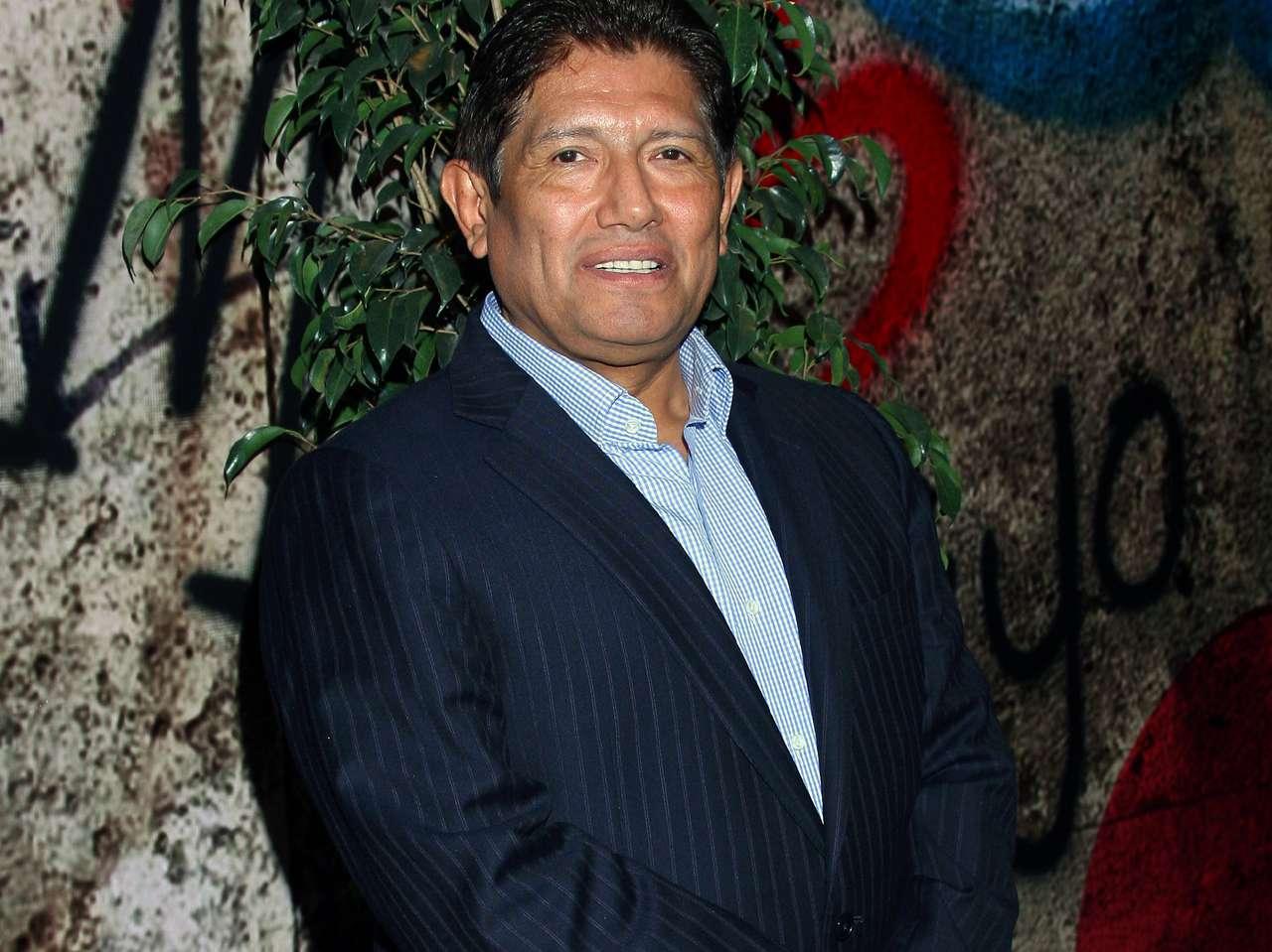 Juan Osorio mencionó que a está transmisión también acudirá su hijo Emilio, a fin de hacer un programa muy familiar. Foto: Medios y Media