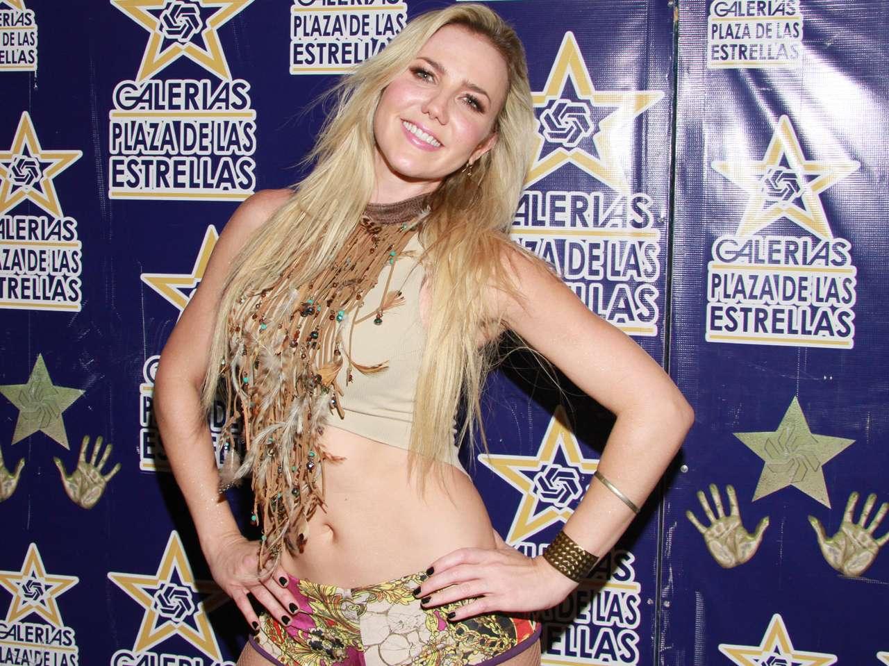 Karenka lanzará disco en 2015, y asegura que será un año muy sensual para ella. Foto: Photo AMC