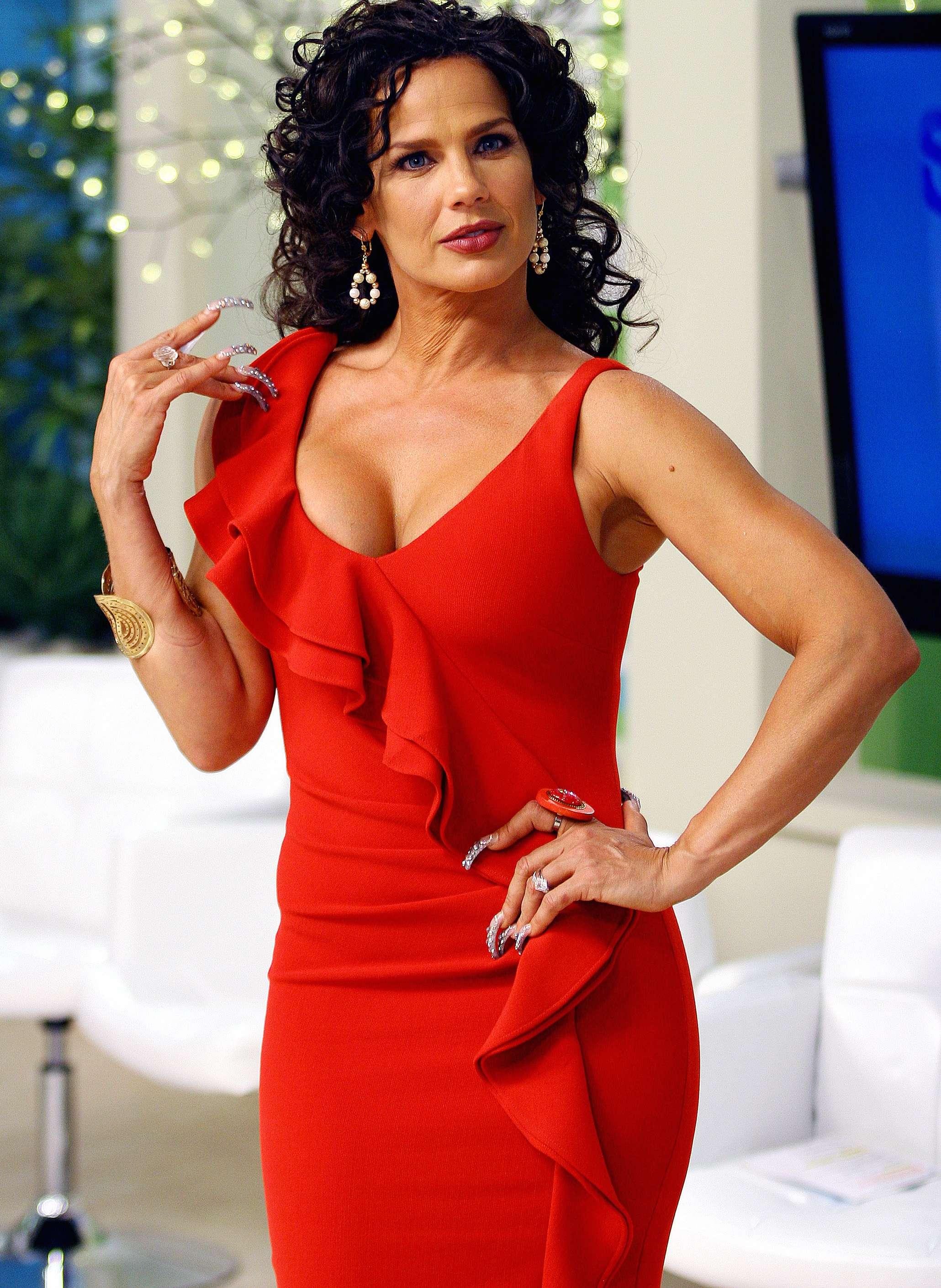 Niurka dijo que el salario de un actor no es tan grande como para ganar los millones que dijo Angélica Rivera. Foto: Medios y Media