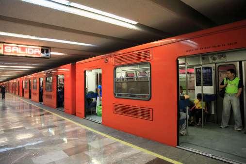 """A finales de 2014, la Secretaría de Comunicaciones y Transportes publicará la licitación para la ampliación de la Línea """"A"""" del Sistema de Transporte Colectivo Metro. Foto: Getty Images"""