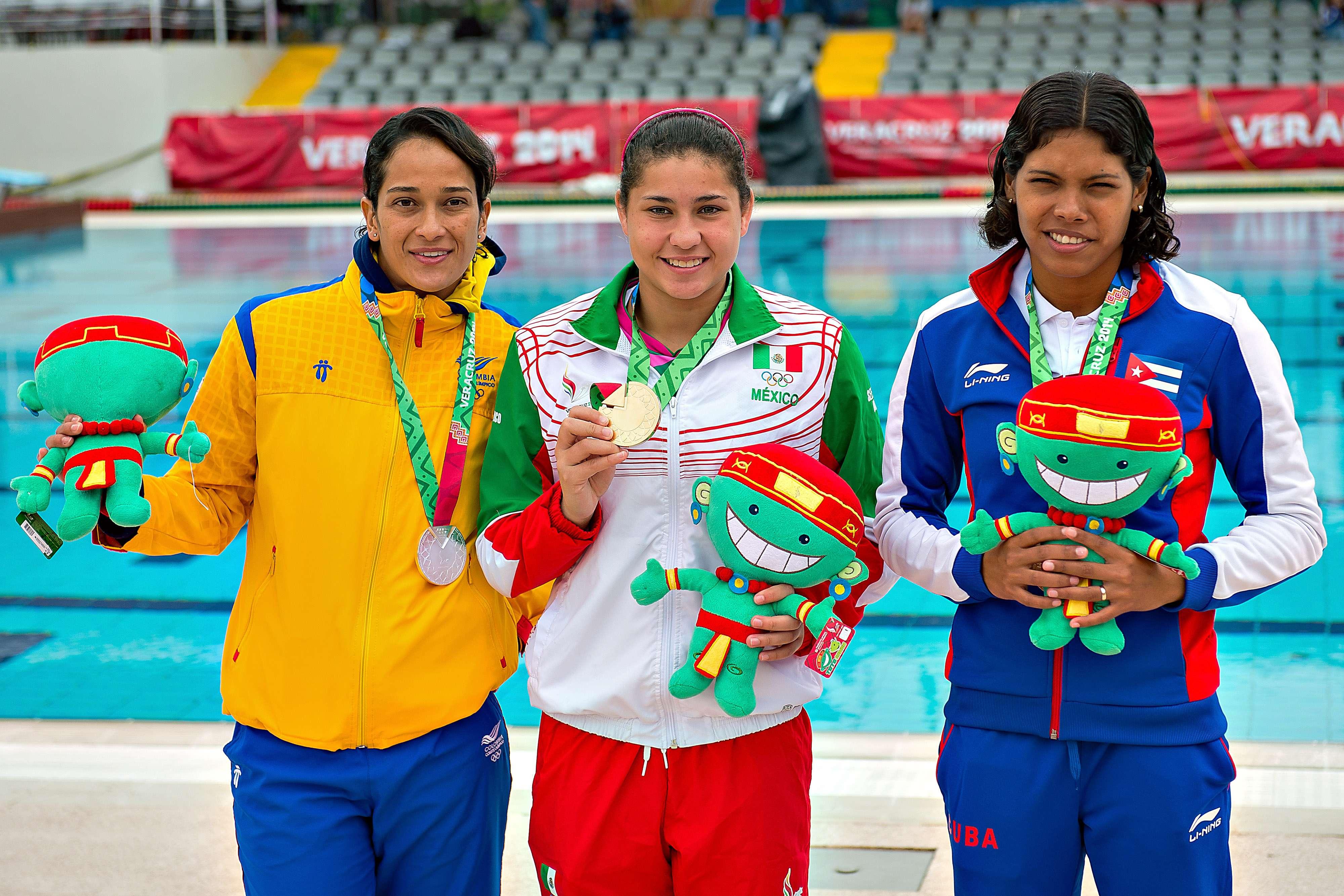 Dolores Hernández sube a lo más alto del podio. Foto: Mexsport