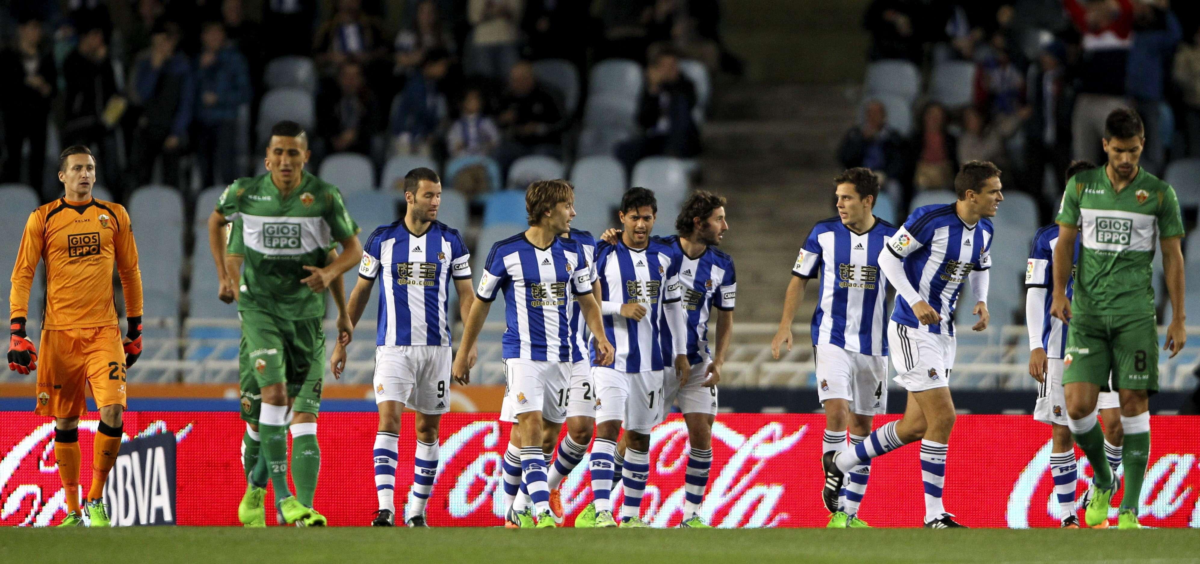 Carlos Vela tuvo una noche de lujo con tres goles ante el Elche. Foto: EFE