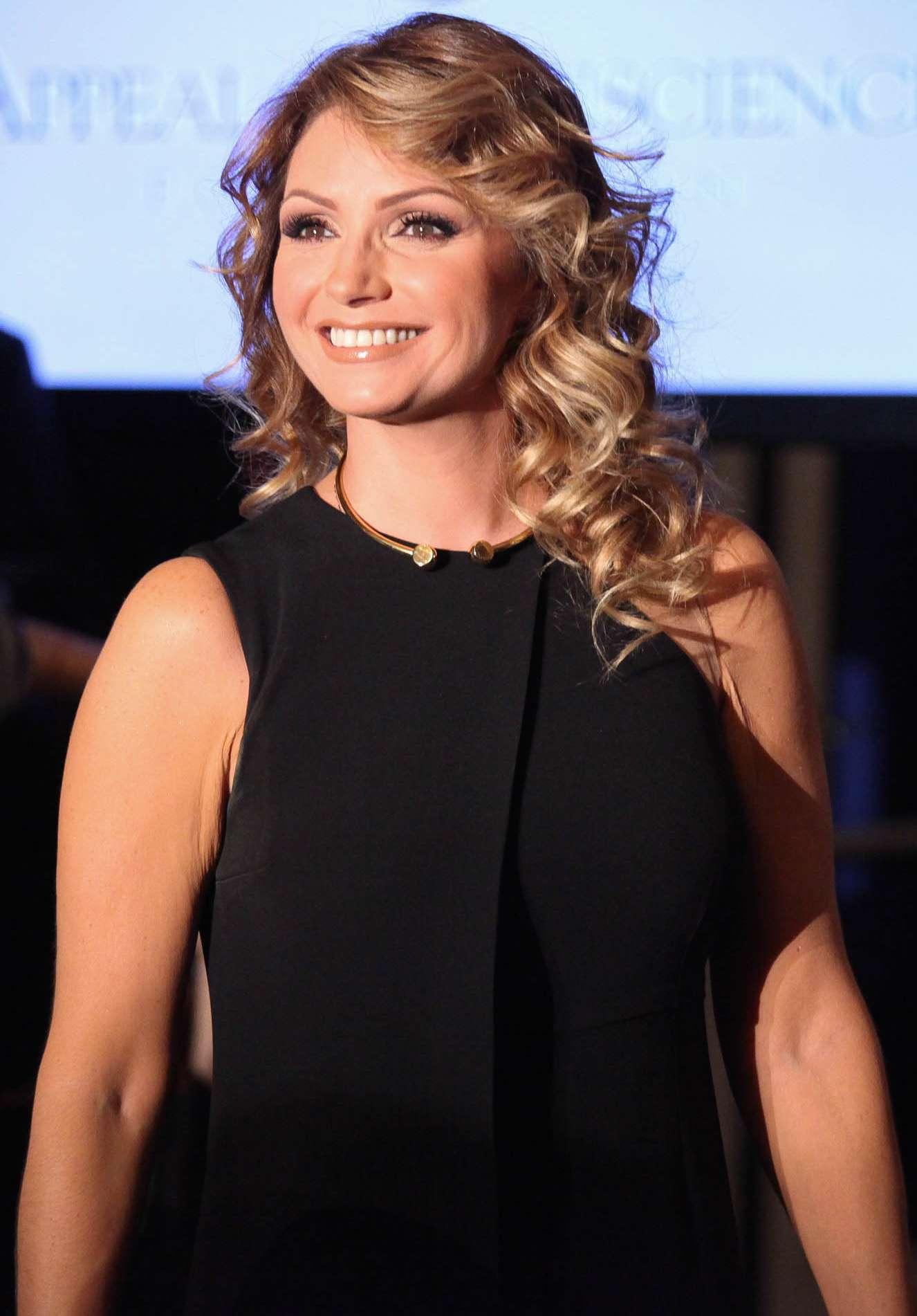 Angélica Rivera dijo que compró una millonaria mansión producto de 25 años de trabajo en Televisa. Foto: Getty Images