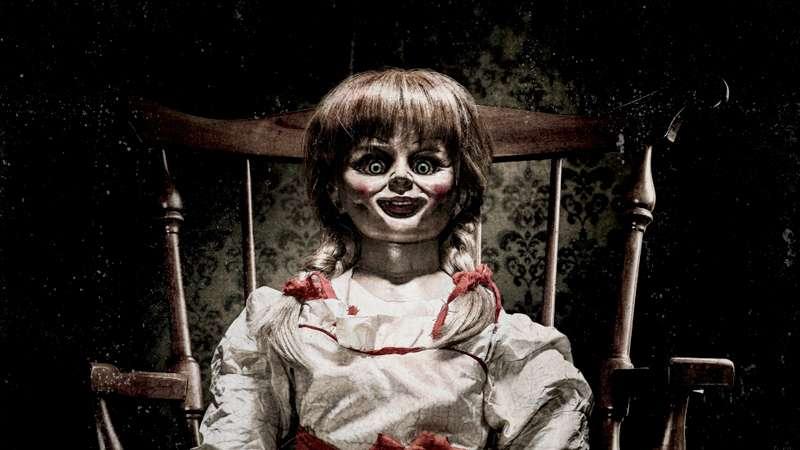 O filme Annabelle conta a história da boneca que bota medo na família toda Foto: Reprodução