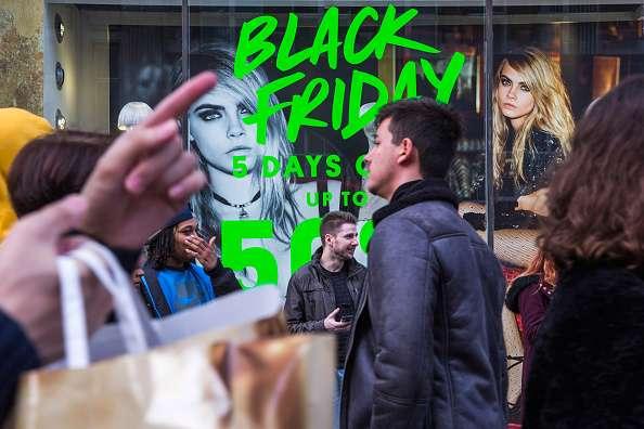 """La ARF espera que más de 140 millones de personas realicen compras en esta edición del """"Viernes negro"""". Foto: Getty Images"""