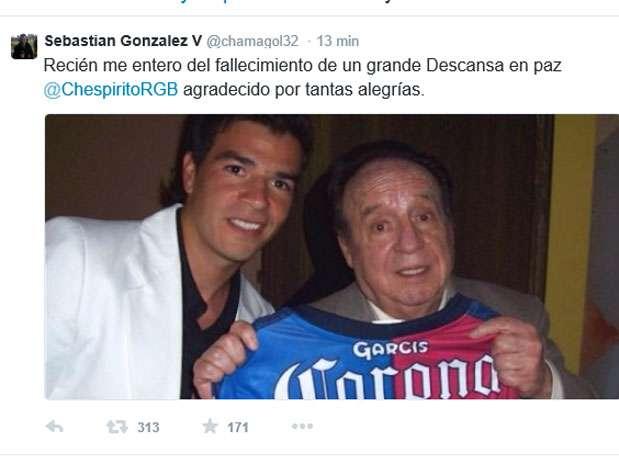 Chamagol se tomó fotos con Chespirito Foto: Twitter Chamagol González
