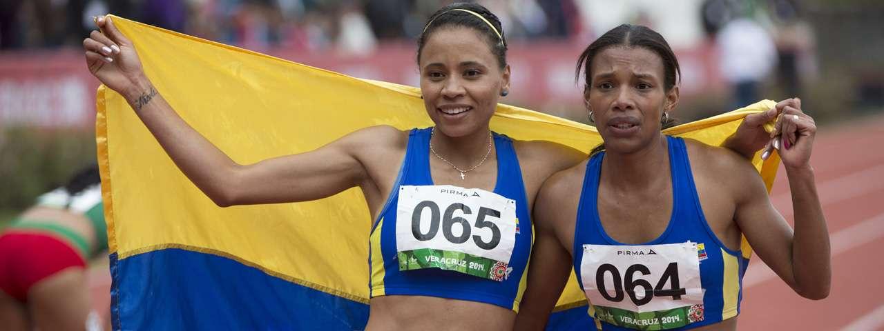 Las colombianas felices con su triunfo. Foto: Mexsport