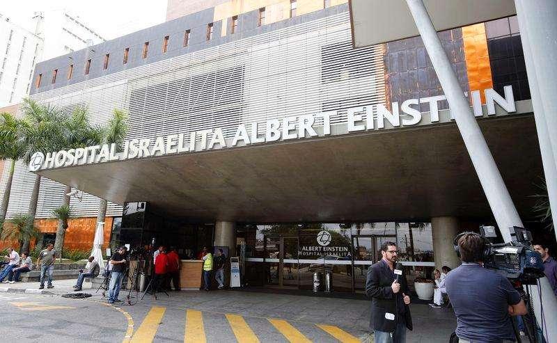 Exterior do hospital Albert Einsten, em São Paulo, onde Pelé está internado. 28/11/2014 Foto: Paulo Whitaker/Reuters