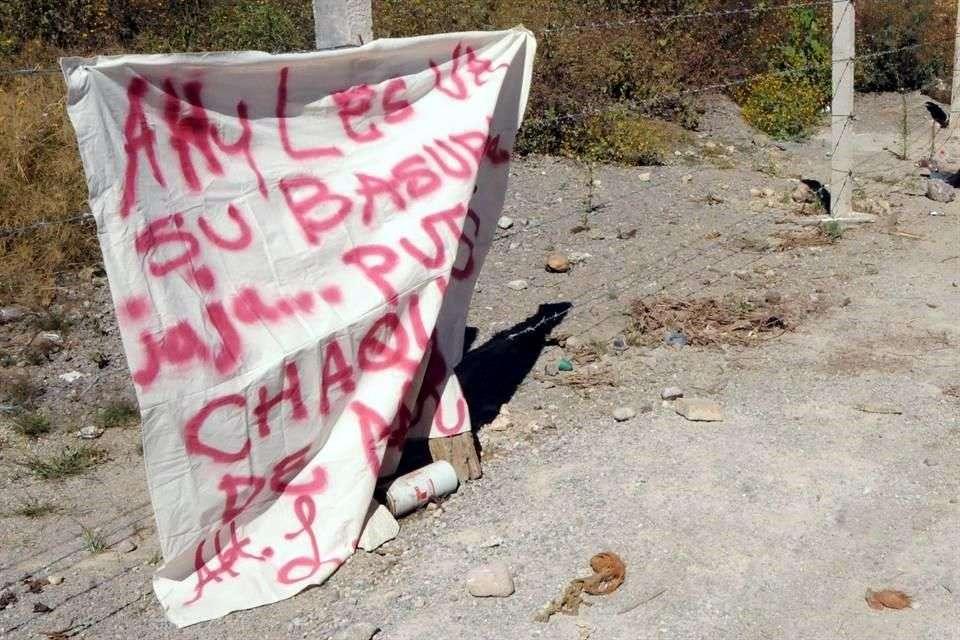 La Procuraduría General de la República (PGR) ejerció la facultad de atracción sobre la averiguación previa iniciada por los 11 cuerpos decapitados que fueron hallados este jueves en la carretera estatal Chilapa-Ayahualulco, en Guerrero. Foto: Abel Miranda Ayala/Reforma