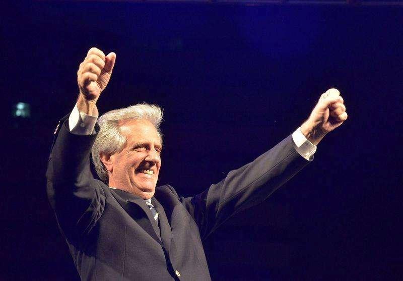 O presidente eleito do Uruguai, Tabaré Vázquez, comemora vitória durante evento em Montevidéu, no Uruguai, no domingo. 30/11/2014 Foto: Carlos Pazos/Reuters