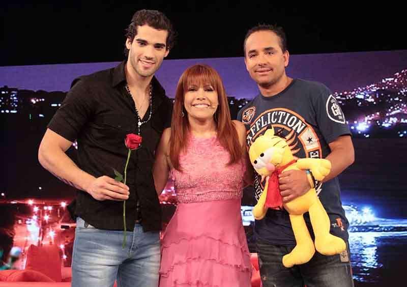 Guty Carrera y Roberto Martínez, los exnovios de Melissa Loza, se encontraron en el programa de Magaly Medina. Foto: Difusión Latina