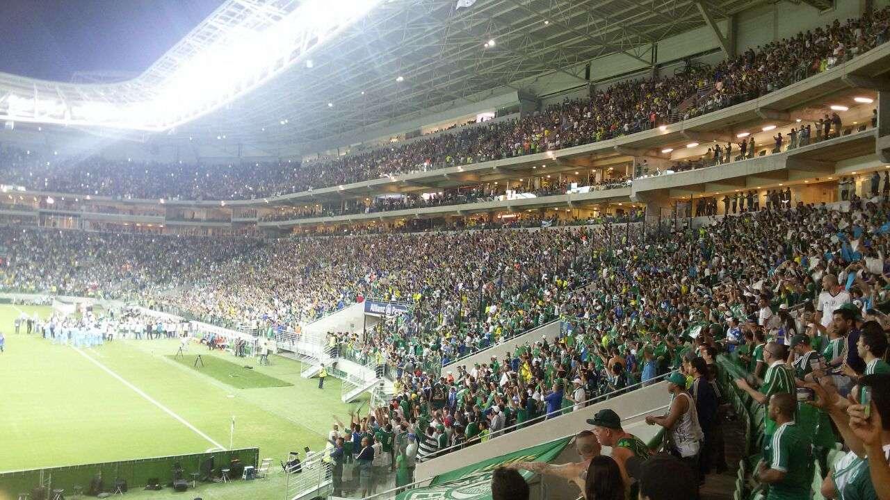 São Paulo, 19/11 - Torcida do Palmeiras assiste à estreia do clube no Allianz Parque; apesar da festa, o time da casa perdeu para o Sport por 2 a 0, em jogo válido pelo Campeonato Brasileiro Foto: Kayke Melo Silva/vc repórter