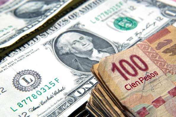El peso pierde fuerza ante el dólar. Foto: Getty Images