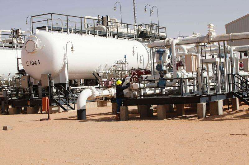 Visão geral de campo de produção de petróleo na Líbia, um dos países integrantes da Opep. Foto: Ismail Zitouny (LIBYA - Tags: POLITICS ENERGY CIVIL UNREST)/Reuters