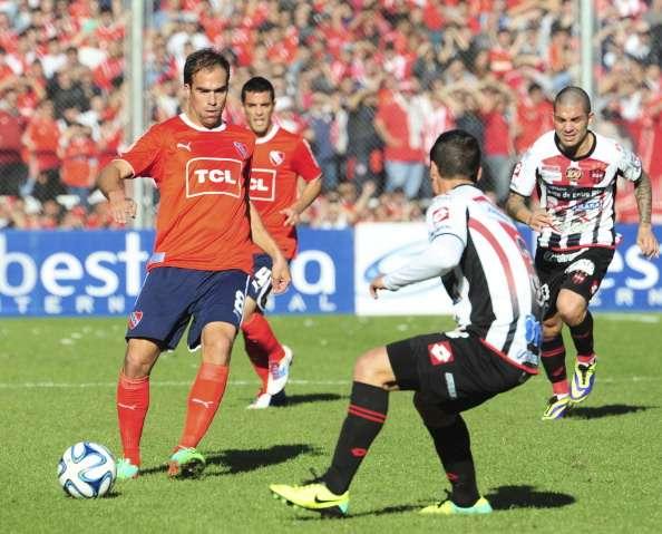 Insúa ayudó al ascenso de Independiente. Después jugó poco. Foto: Getty Images