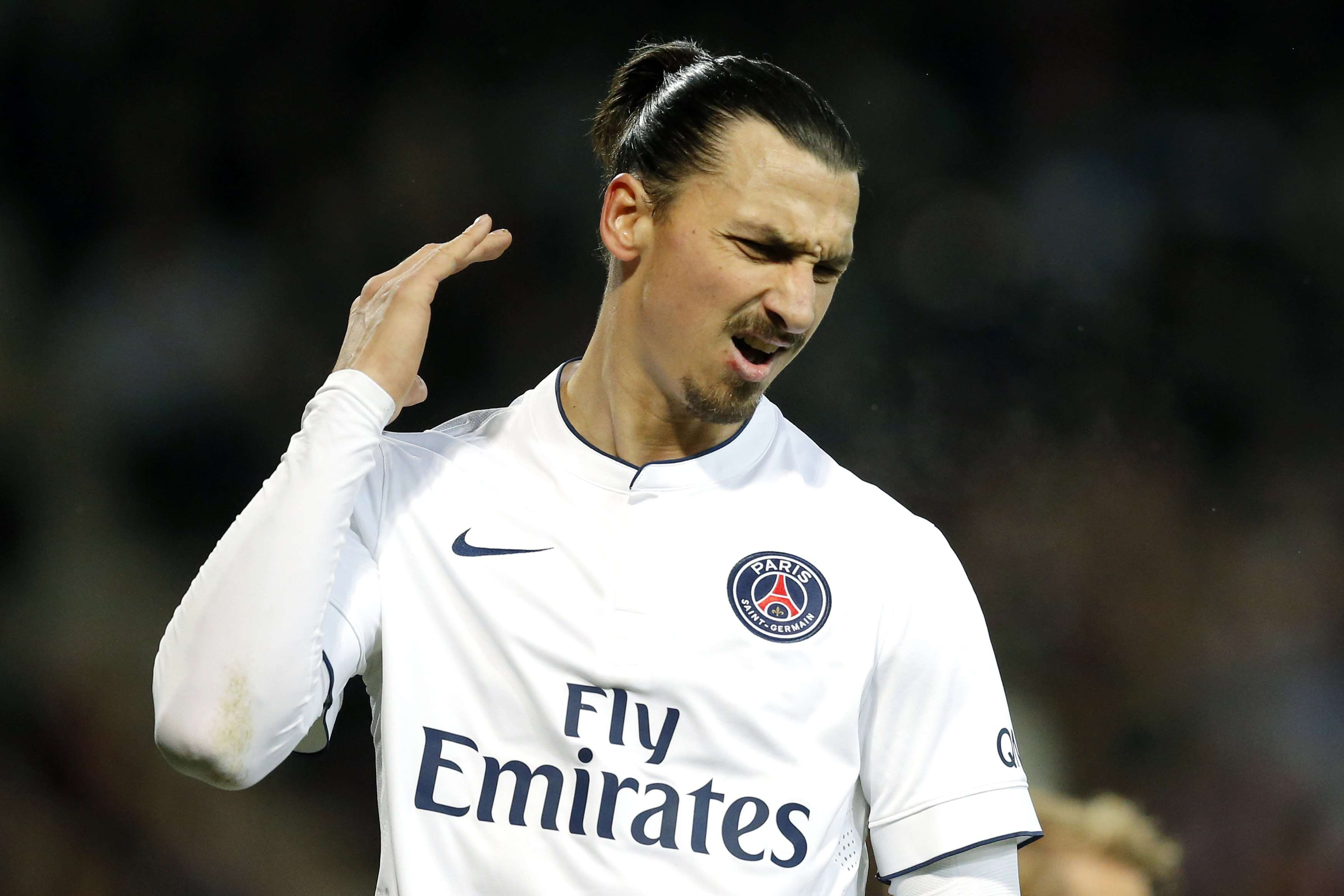 Paris St Germain's Zlatan Ibrahimovic reacts after missing an opportunity to score during their French Ligue 1 soccer match against Guingamp at the Roudourou stadium in Guingamp, December 14, 2014. REUTERS/Stephane Mahe (FRANCE - Tags: SPORT SOCCER) Foto: STEPHANE MAHE/REUTERS