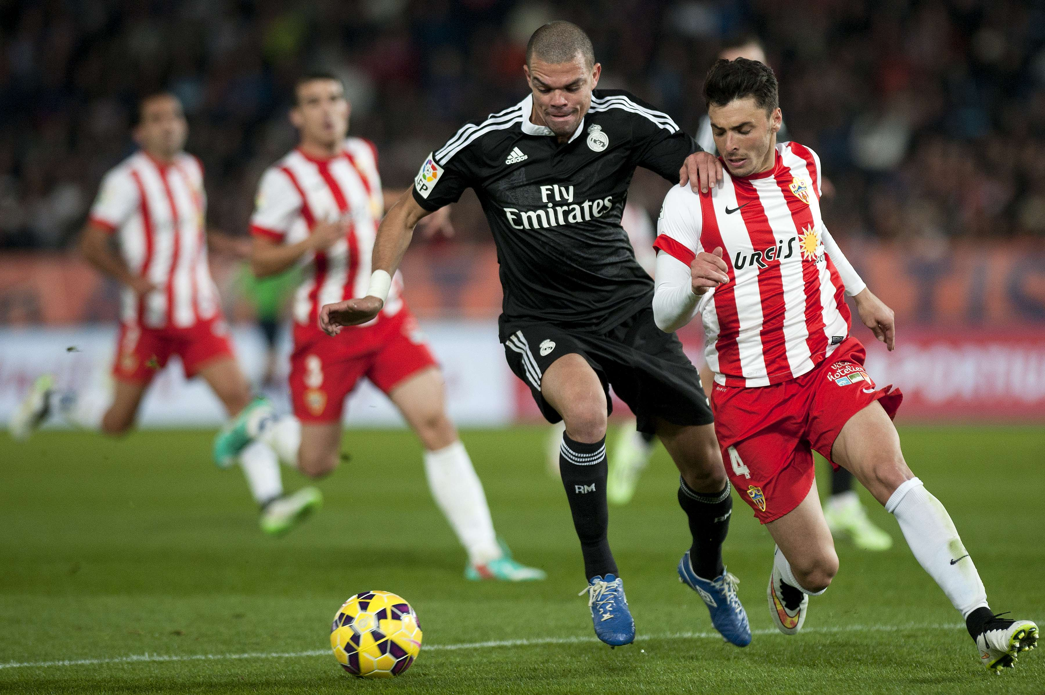 Pepe muda de postura no Real Madrid Foto: Jorge Guerrero/AFP