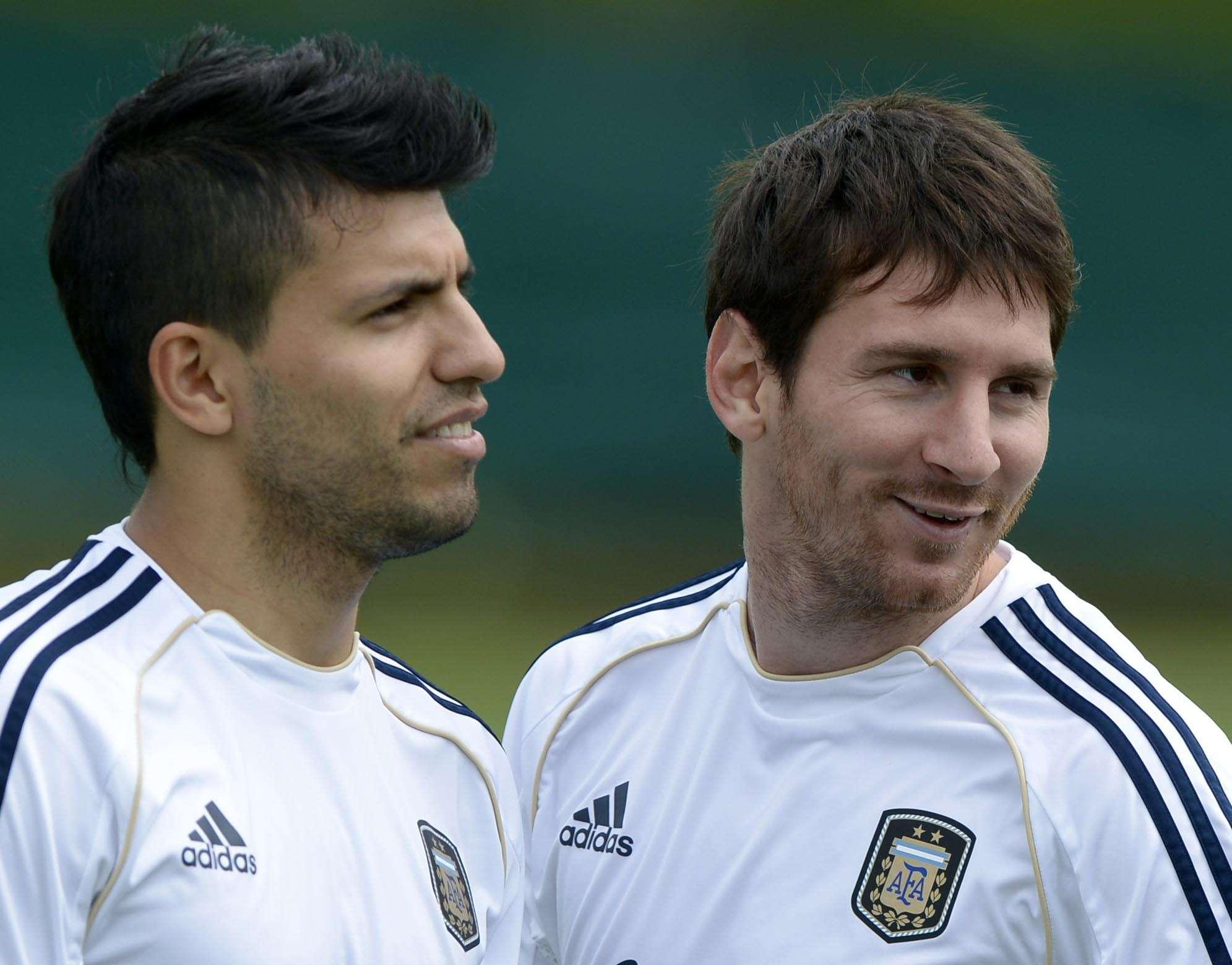 Messi y Agüero. Foto: NA
