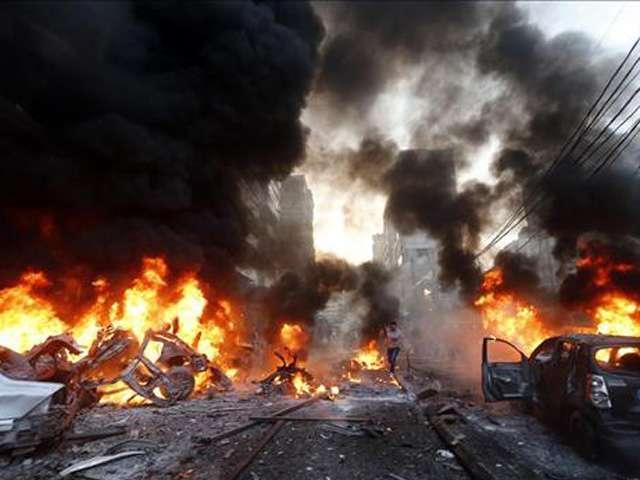 02-enero-2014.- Un coche bomba mató a cinco personas en el sur de Beirut Foto: AFP en español