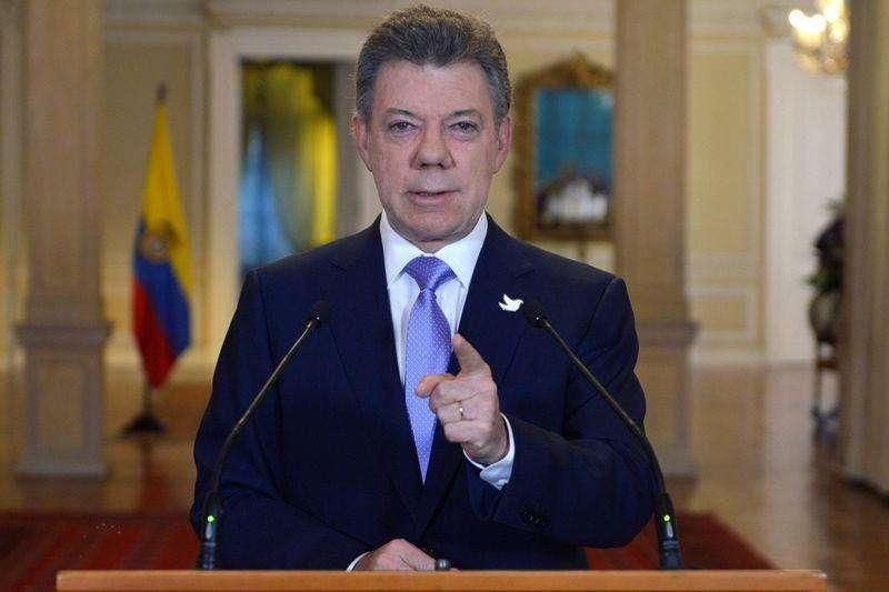 Presidente colombiano, Juan Manuel Santos, durante pronunciamento em Bogotá. 17/11/2014. Foto: Javier Casella/Reuters