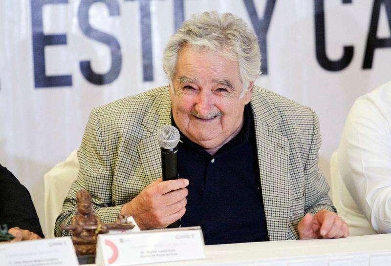 Presidente do Uruguai, José Mujica, sorri durante cerimônia de assinatura de acordos no México -5/12/2014. Foto: Victor Ruiz Garcia/Reuters