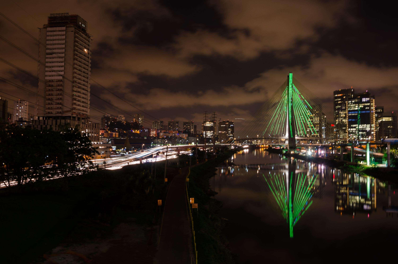 São Paulo - A iluminação vai mudando de cor com o passar do tempo Foto: Rogério Carvalho/Futura Press