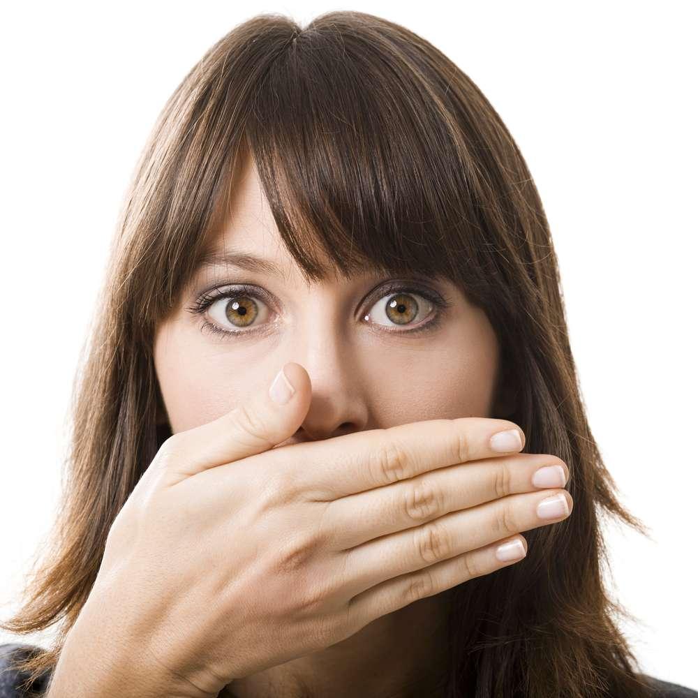 E para dar algumas dicas de ouro que podem salvar seu hálito, o Terra juntou cinco profissionais da odontologia especialistas no diagnóstico e no tratamento da halitose Foto: iko/Shutterstock
