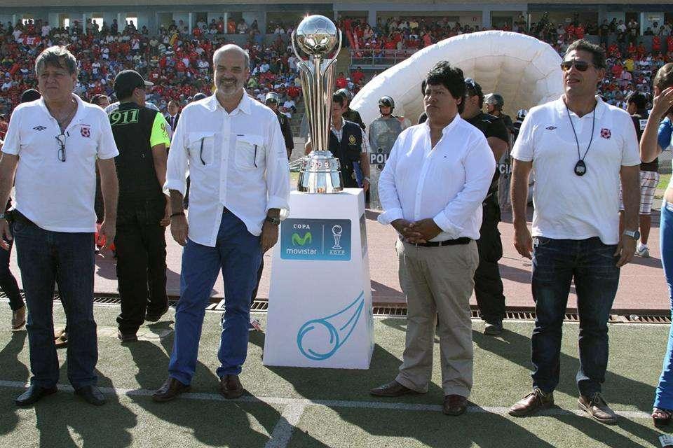 Federico Cúneo es presidente de Sporting Cristal, mientras que Edwin Oviedo es el mandamás de Juan Aurich. Foto: Facebook Sporting Cristal