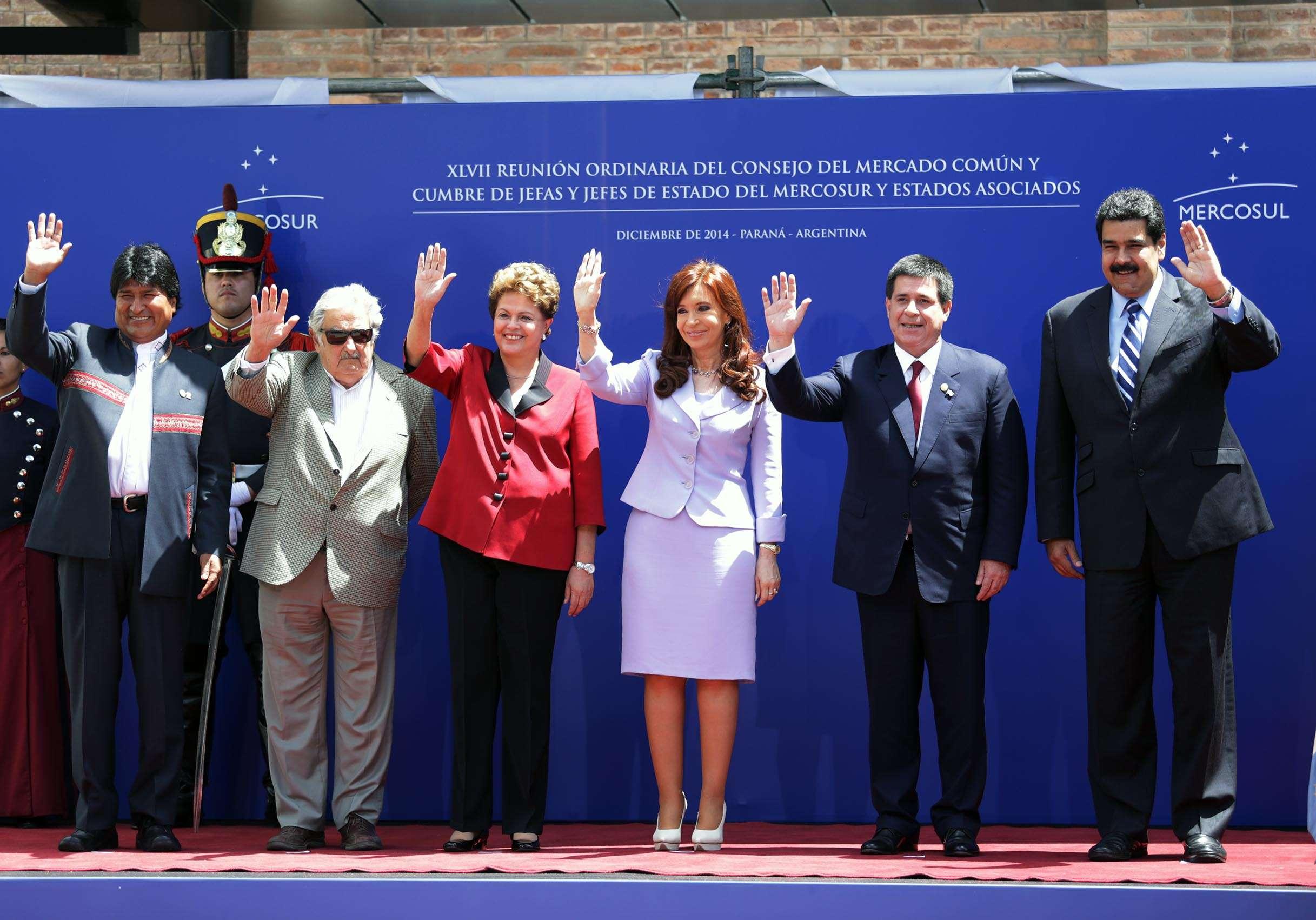 a presidenta Cristina Kirchner recibió esta mañana a sus pares de los países del Mercosur en el Centro Cultural y de Convenciones La Vieja Usina de la ciudad de Paraná. Foto: Noticias Argentinas