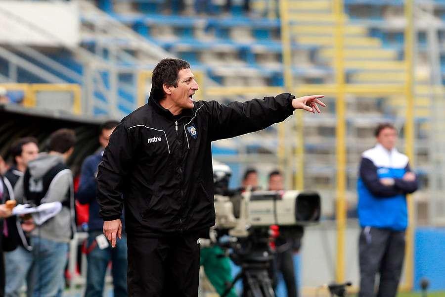 Mario Salas llegaría con al menos un refuerzo desde Huachipato. Foto: Agencia UNO