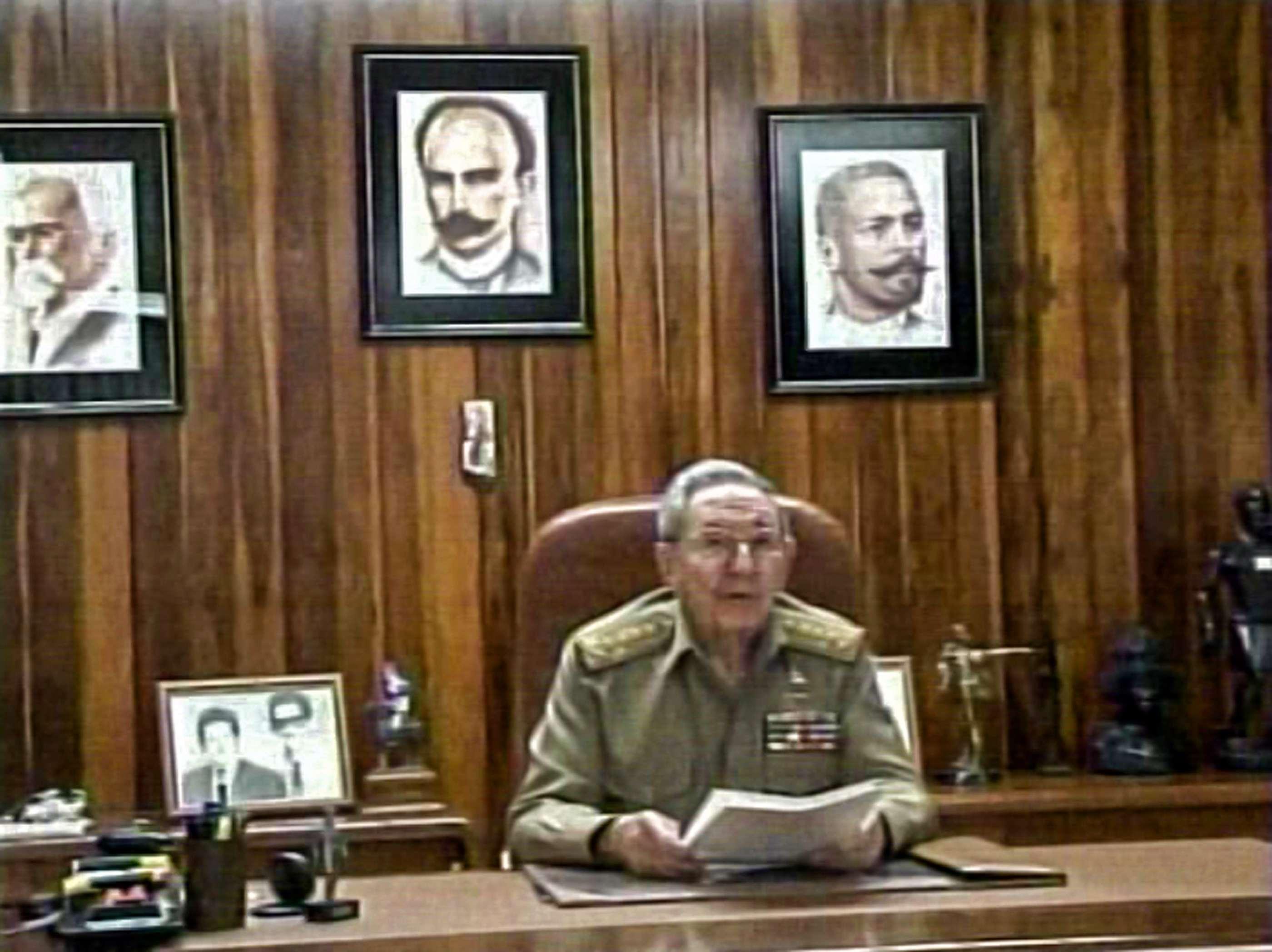 TV cubana mostra o presidente Raúl Castro fazendo um discurso à nação, em 17 de dezembro, em Havana. Castro disse que Cuba tinha concordado em restabelecer relações diplomáticas com os Estados Unidos Foto: CUBANTV/AFP