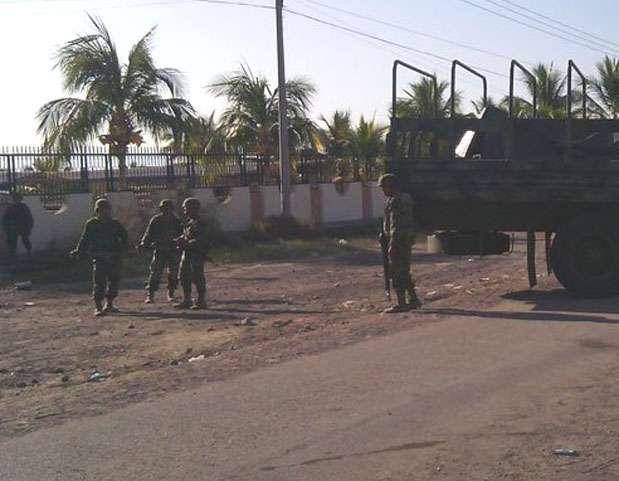 Gendarmería y Ejercito Mexicano resguardan La Ruana, Michoacán. Foto: Quadratín