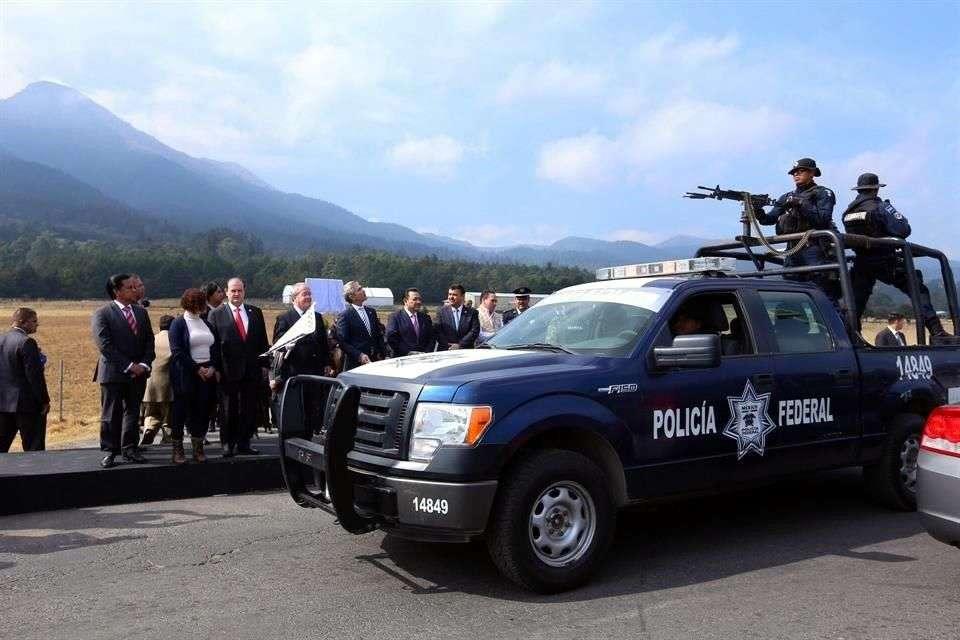 324 elementos de diversas corporaciones que realizarán patrullajes aleatorios y tendrán presencia las 24 horas en la zona del Ajusco y Jalatlaco. Foto: Reforma