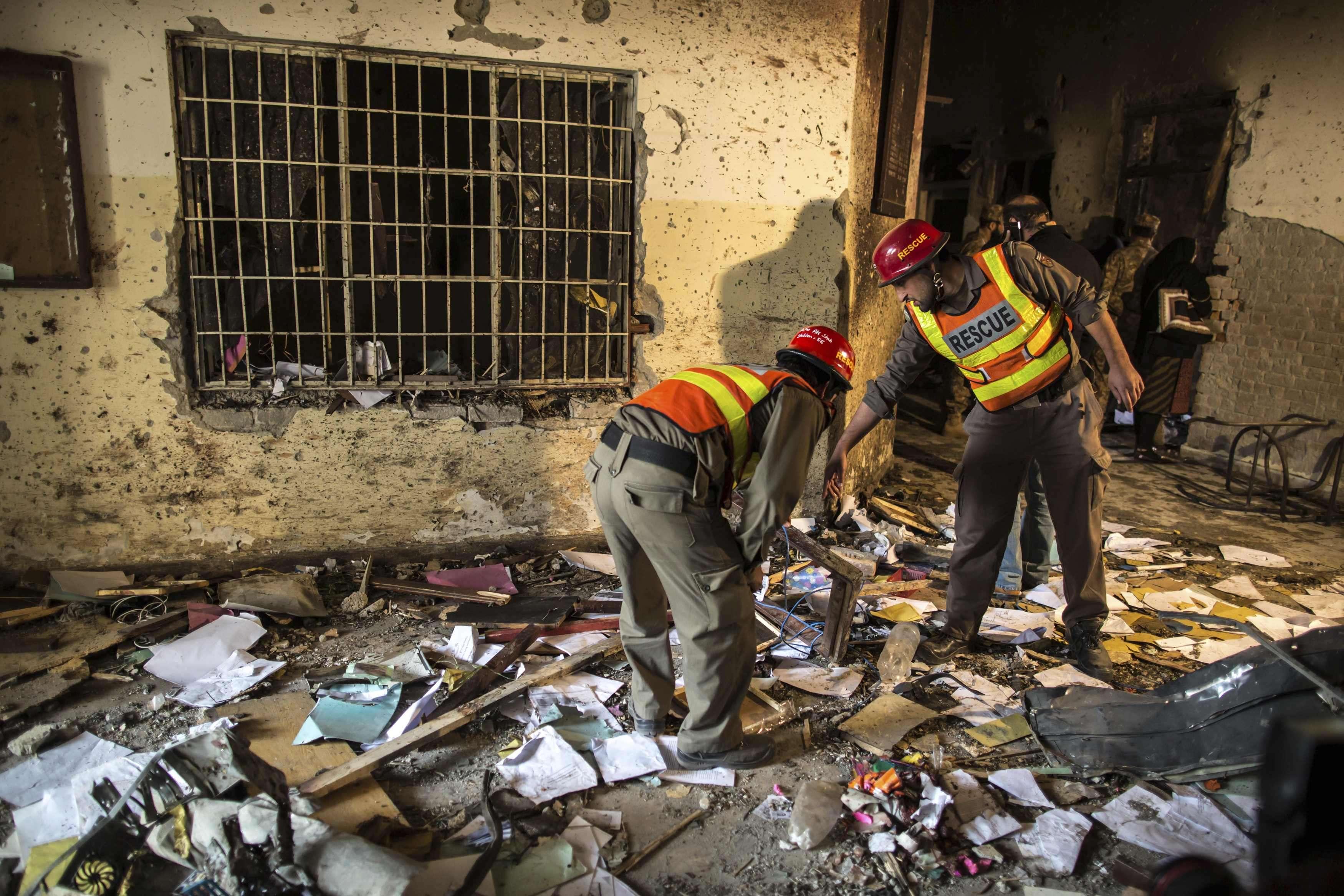Massacre desta terça-feira deixou mais de 140 mortos Foto: Zohra Bensemra/Reuters