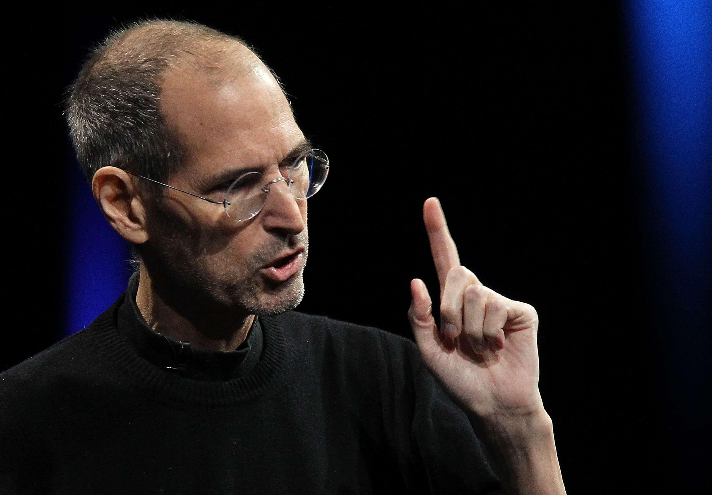 Steve Jobs sabía cómo evitar perder el tiempo en una junta de trabajo. Foto: Getty Images