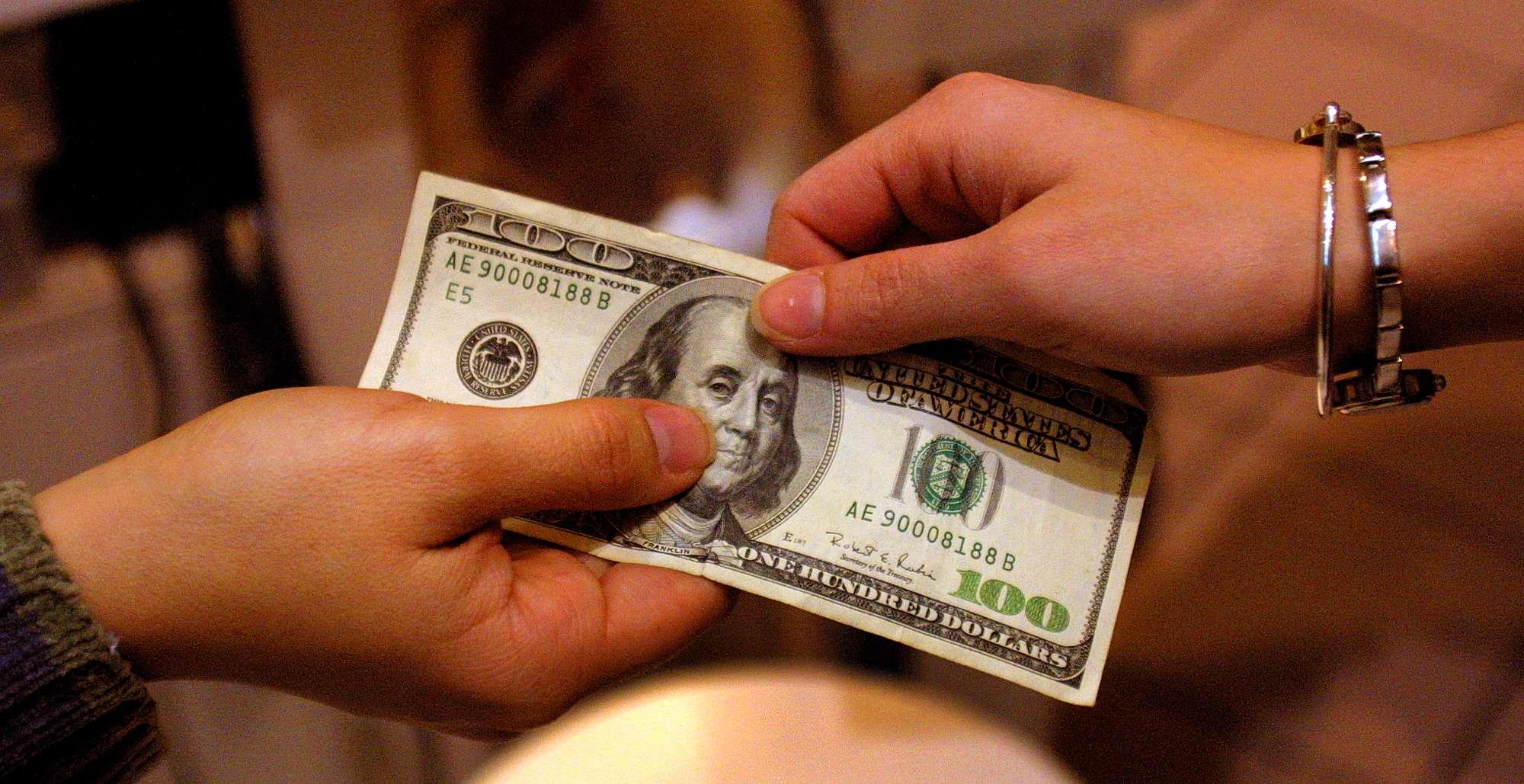 El dólar sigue fuerte frente al peso. Foto: Getty Images
