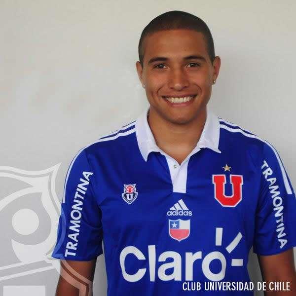 El ex delantero de La Calera jugará con la camiseta azul N° 27 Foto: udechile.cl