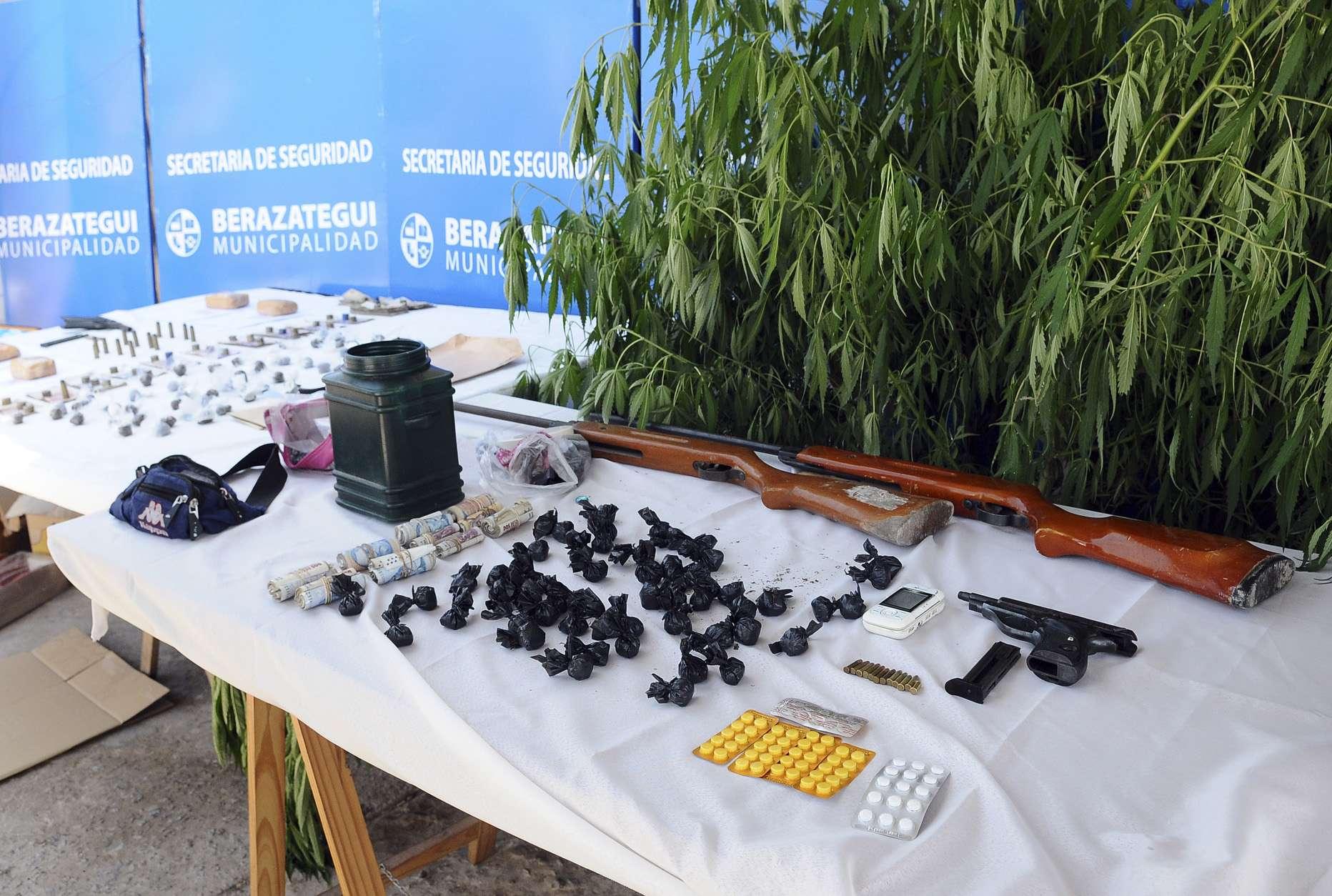 Parte de la droga incautada en Berazategui. Foto: Noticias Argentinas