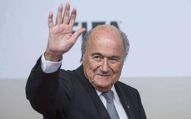Presidente da Fifa, Joseph Blatter, chega para lançamento de filme em Berlim. 10/11/2014. Foto: Hannibal/Reuters