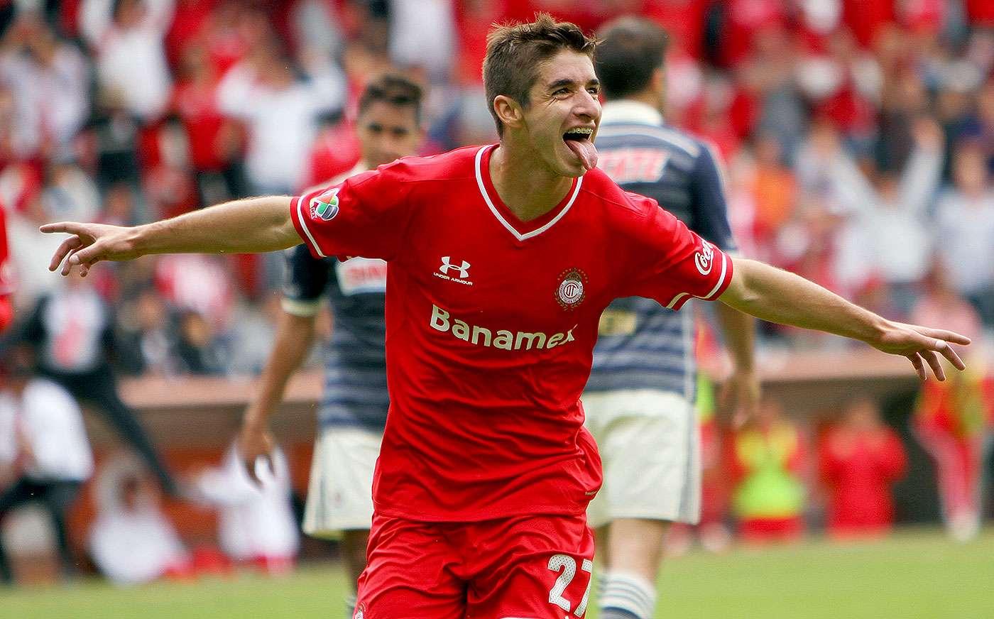Isaac Brizuela es nuevo refuerzo de Chivas para el Clausura 2015. Foto: Armando Marín/Jam Media