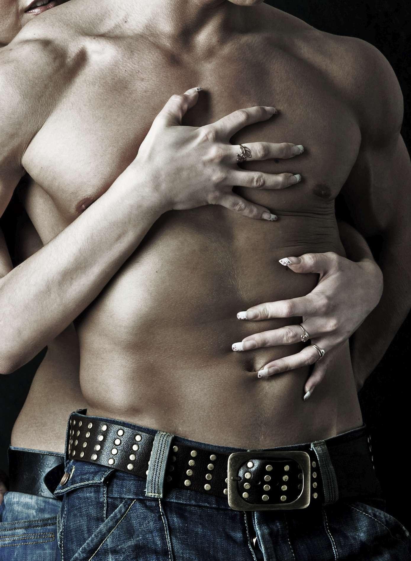 Hay zonas del cuerpo de los hombres que al tocarlas son como puntos de ignición para el placer. Foto: iStock