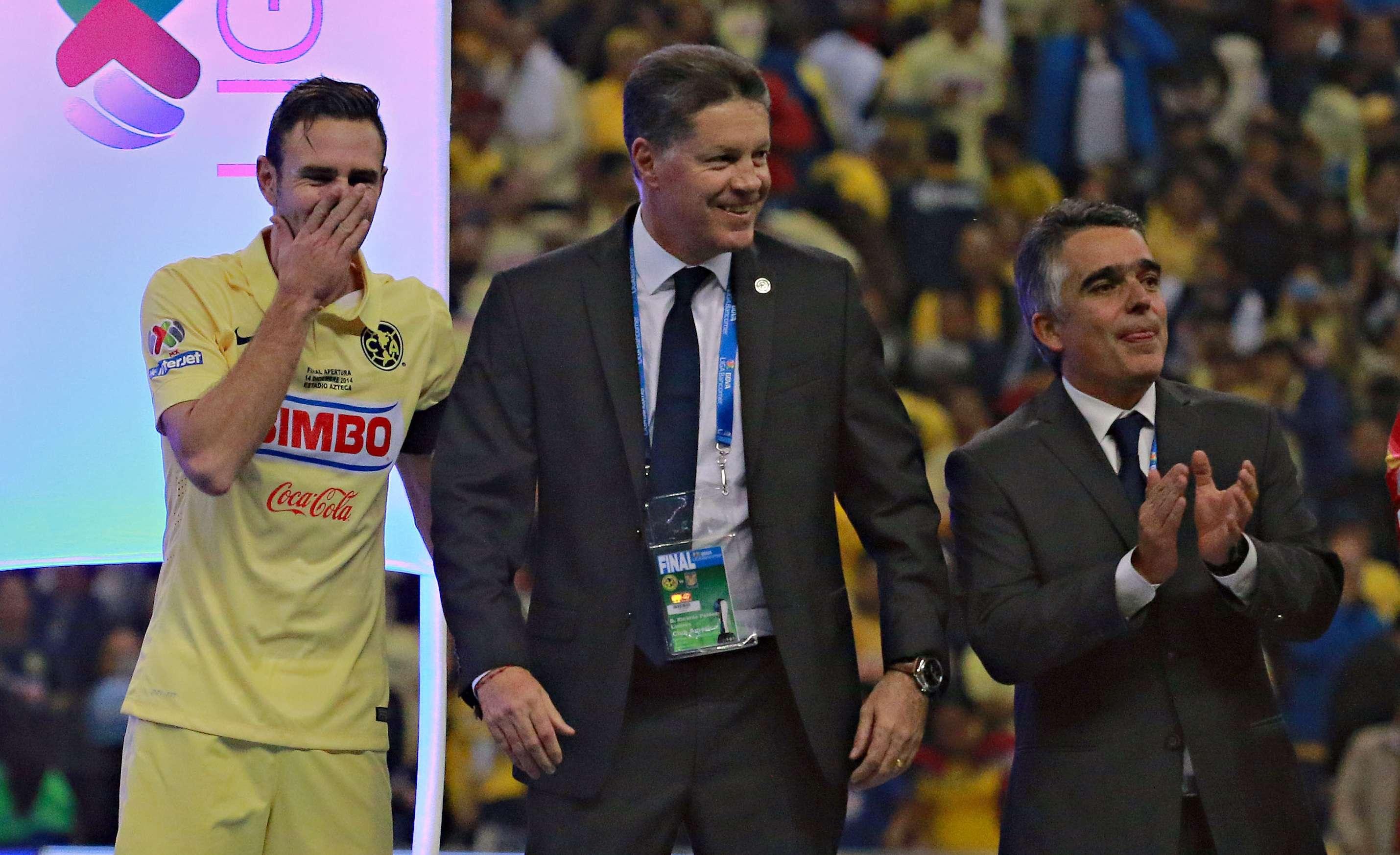 Miguel Layún en la celebración del título de América con Ricardo Peláez y Pepe Romano. Foto: Imago7